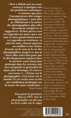 Sur la photographie