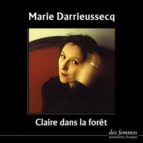 Claire dans la forêt