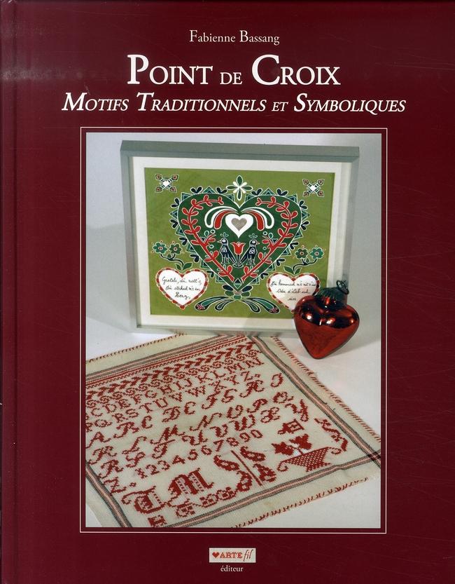 Point de croix ; motifs traditionnels et symboliques