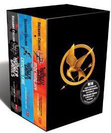 HUNGER GAMES TRILOGY BOX SET - THE HUNGER GAMES. CATCHING FIRE. MOCKINGJAY