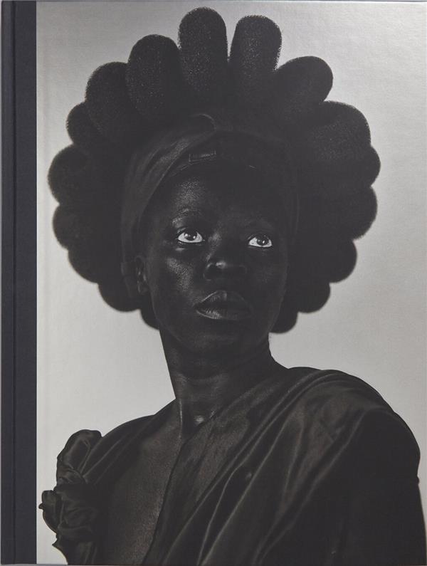 Somnyama ngonyama, salut à toi, lionne noire !