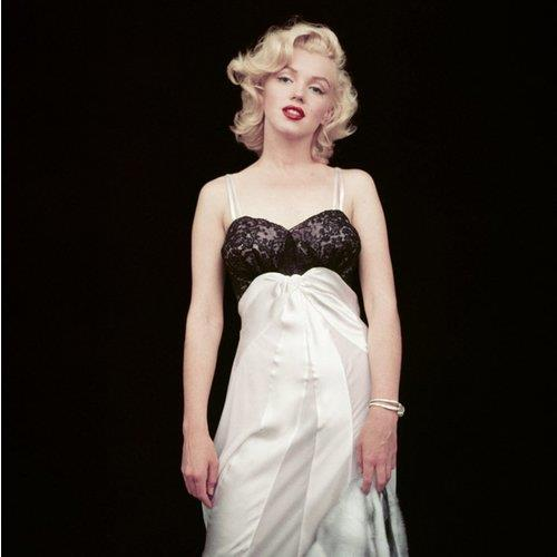 The essential marilyn monroe  by milton h. greene : 50 sessions (new ed)