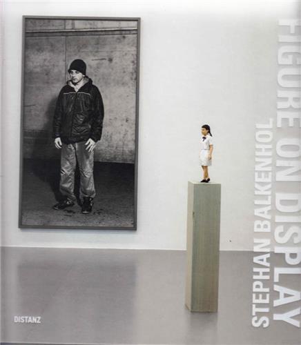 Stephan balkenhol jeff wall figure on display