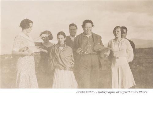 Frida Kahlo ; photographs of myself and others