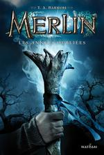 Couverture de Merlin - cycle 1 t.1 ; les années oubliées