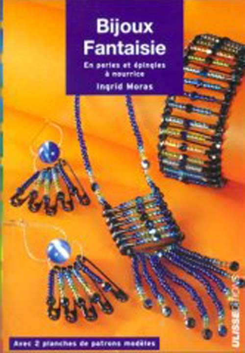 Bijoux fantaisies en perles et épingles à nourrice