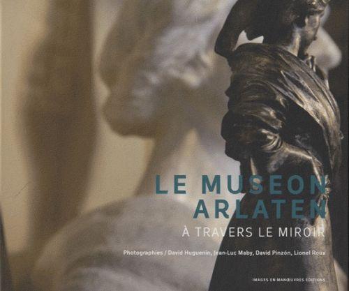Le museon Arlaten ; à travers le miroir