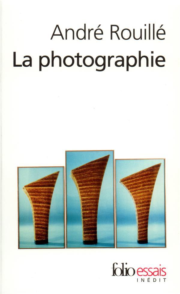 La photographie ; entre document et art contemporain