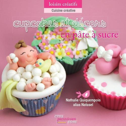 Cupcakes et décors en pâte à sucre