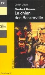 Couverture de Sherlock holmes t.6 ; le chien des baskerville