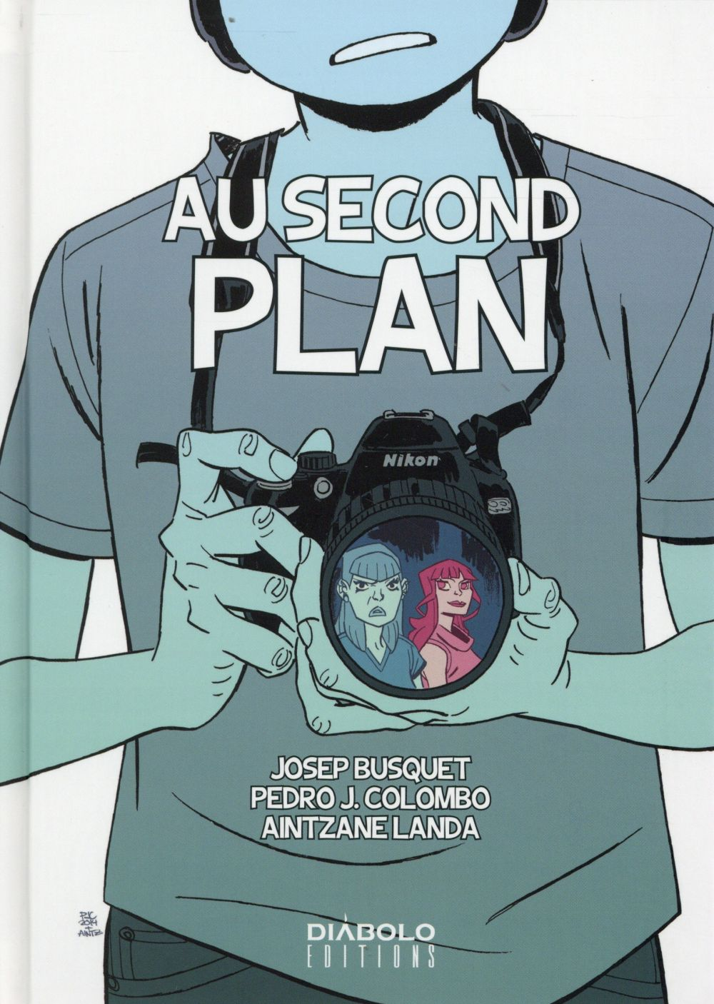 Au second plan