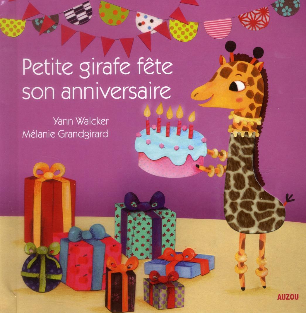 Petite girafe fête son anniversaire