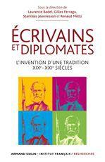 Diplomate et écrivain ; le complexe du caméléon