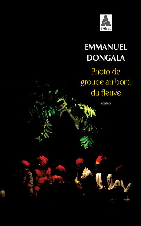 Photo De Groupe Au Bord Du Fleuve